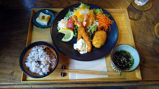 アサリのコロッケ&海老フライ ¥950
