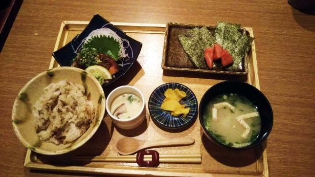 冠地どりとりゅうきゅう定食 ¥700