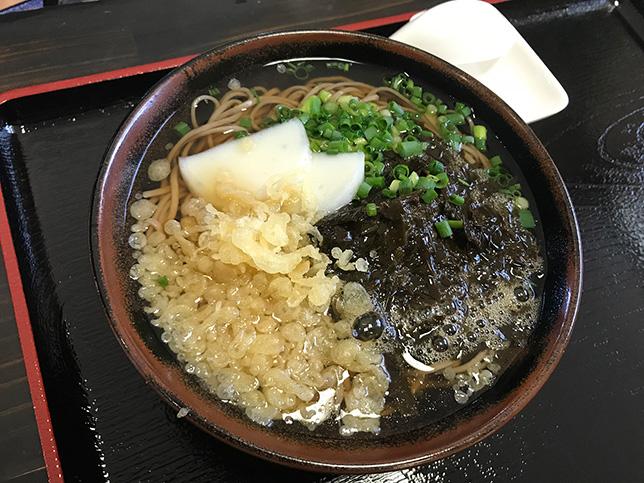 温かいクロメ蕎麦 ¥864