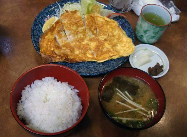 ロース黄金焼き定食 ¥800
