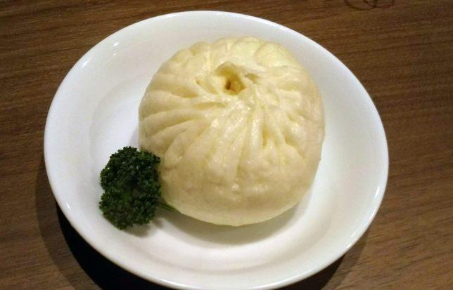 肉マン ¥280