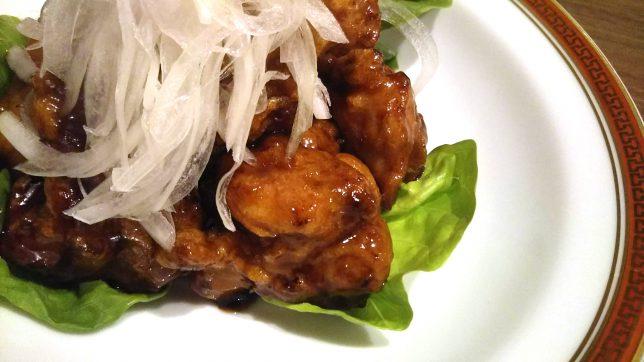 天心楼 鶏肉の黒酢かけアップ