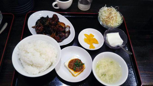 黒酢酢豚定食 ¥800