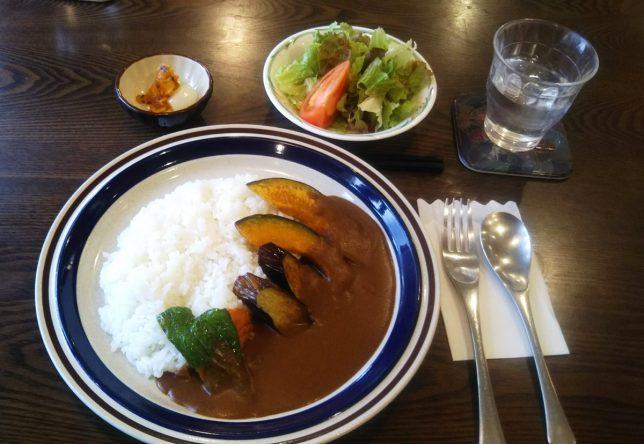 ベジタブルカレー ¥748