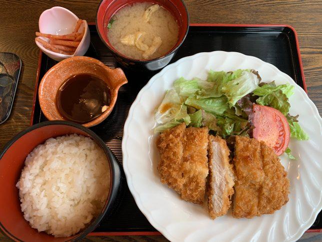 トンカツ ¥880