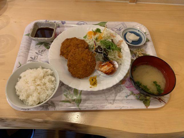 メンチカツ定食 ¥700