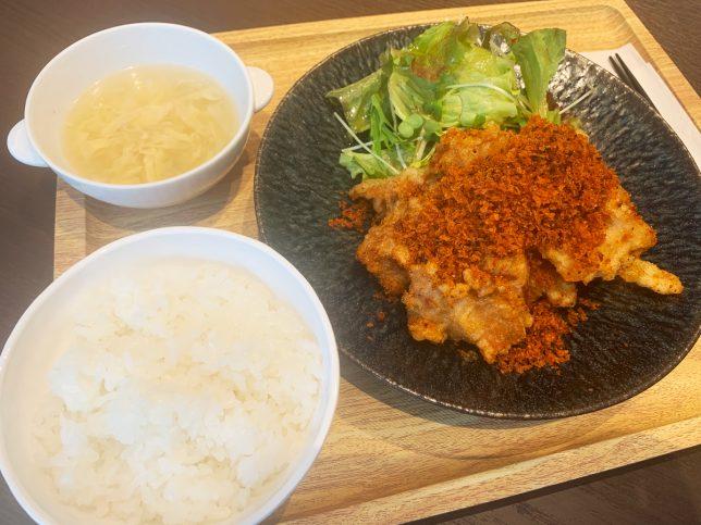鶏モモ肉唐揚げ 香港風スパイスパン粉 ¥880