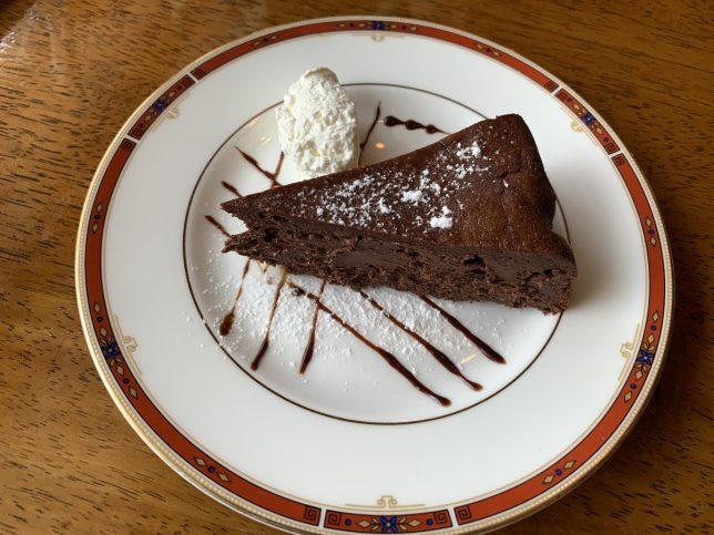 ケーキセット(チョコレートケーキ) ¥770
