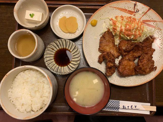 豚のからあげ定食 ¥950
