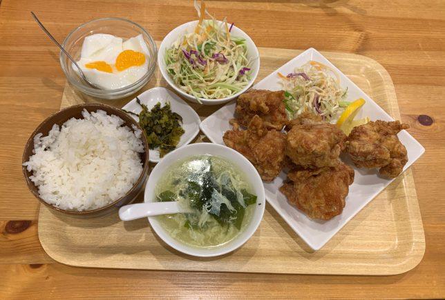 鶏のから揚げ定食 ¥880
